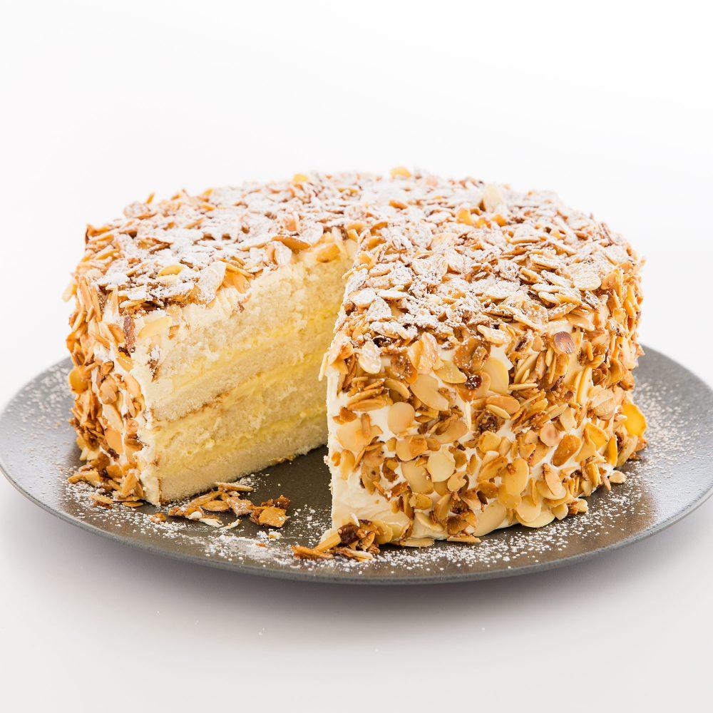 hạnh nhân làm bánh