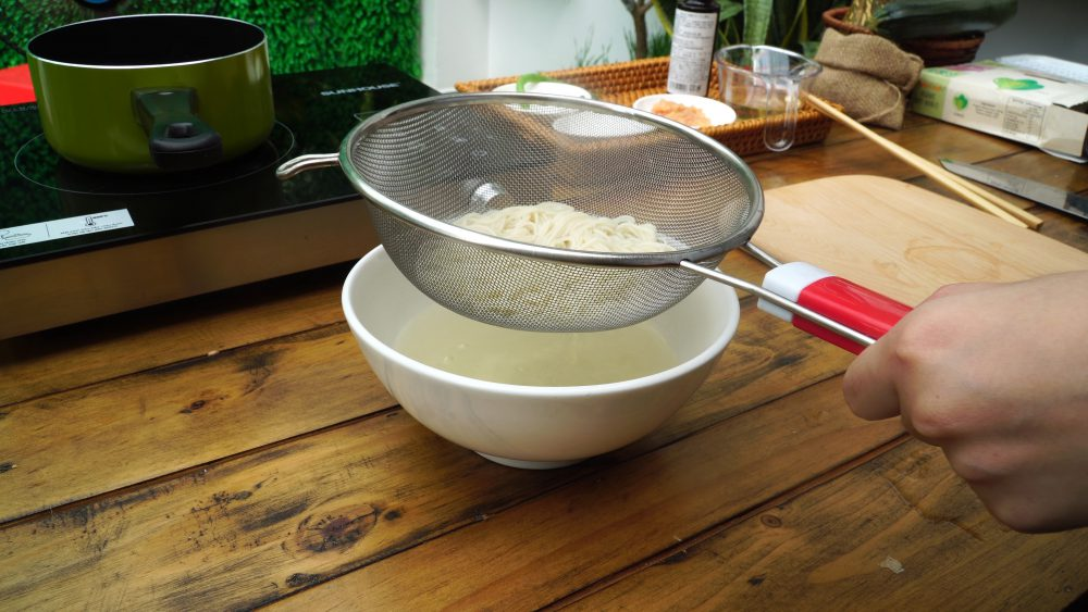 mì ăn dặm hữu cơ Men No Sato với thịt gà và nước Dashi 45